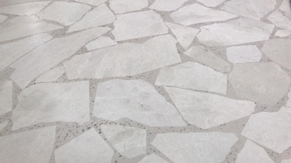 Gebroken marmer gevoegd met terrazzo 3