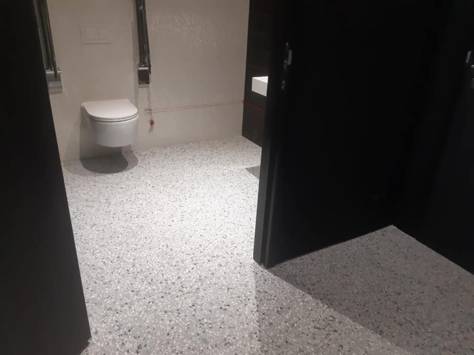 Terrazzo op basis van cement toilet 2